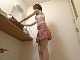 日本�S腴女神淋浴�裢刚T惑